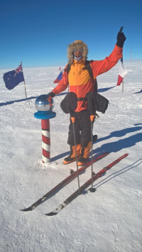 Skiing to the South Pole: Following Amundsen's route up the Axel Heiberg Glacier